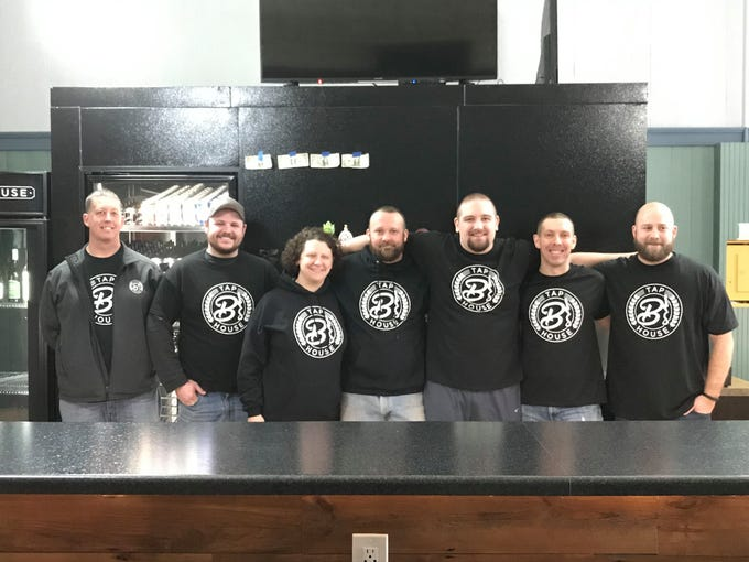 B's Tap House staff, Mike, Cale, Cori, Brandon, Terry, Jeff and Ben