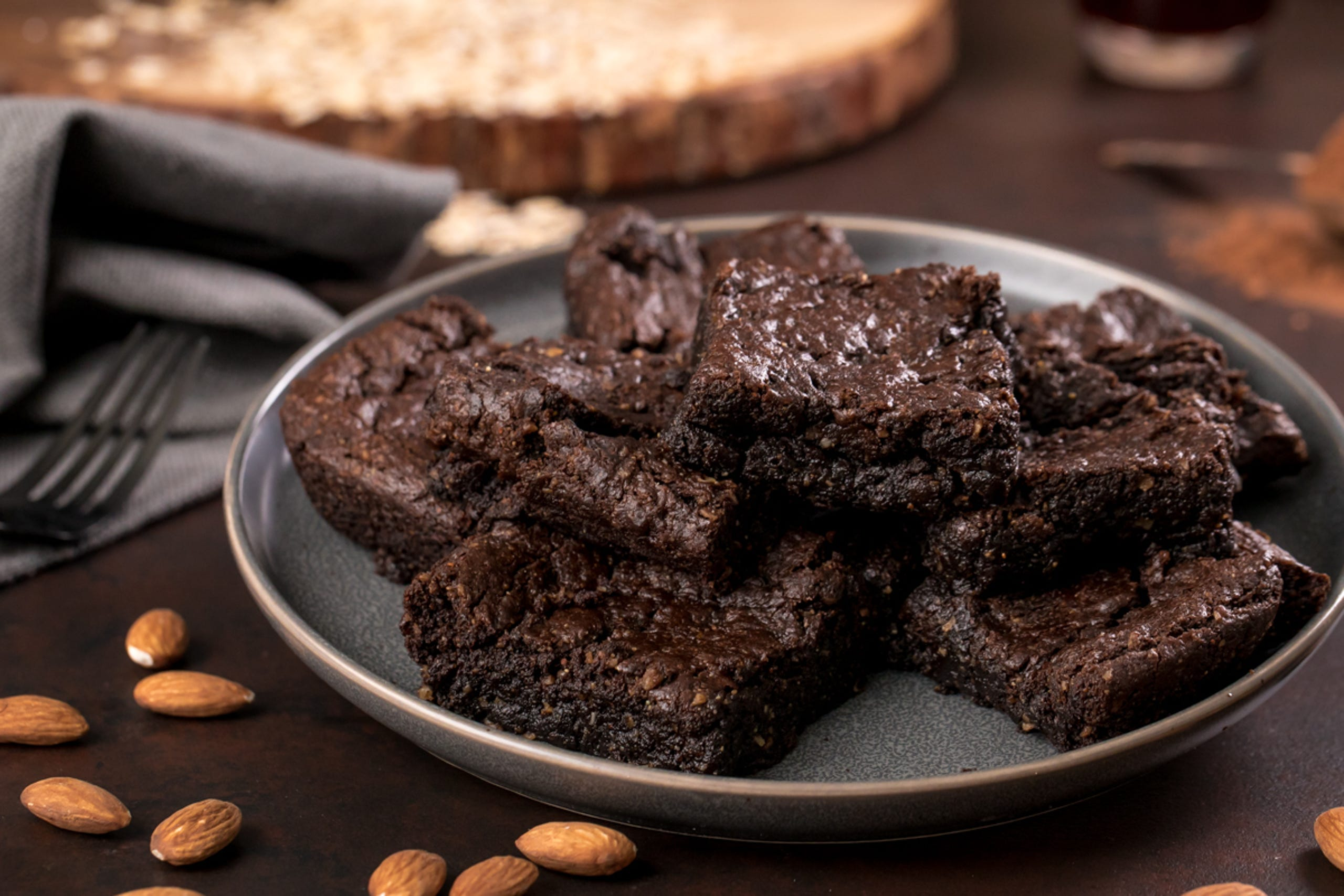 """These<a href=""""https://youtu.be/oJtCLTU5nlk?utm_source=veganvalentinesdesserts"""" target=""""_blank"""">almond butter browniesare fudgy and delicious</a> — and the fact that they're gluten-free and vegan is just a bonus. Katie Higgins of the popular healthy dessert blog<a href=""""https://chocolatecoveredkatie.com/?utm_source=veganvalentinesdesserts"""" rel="""