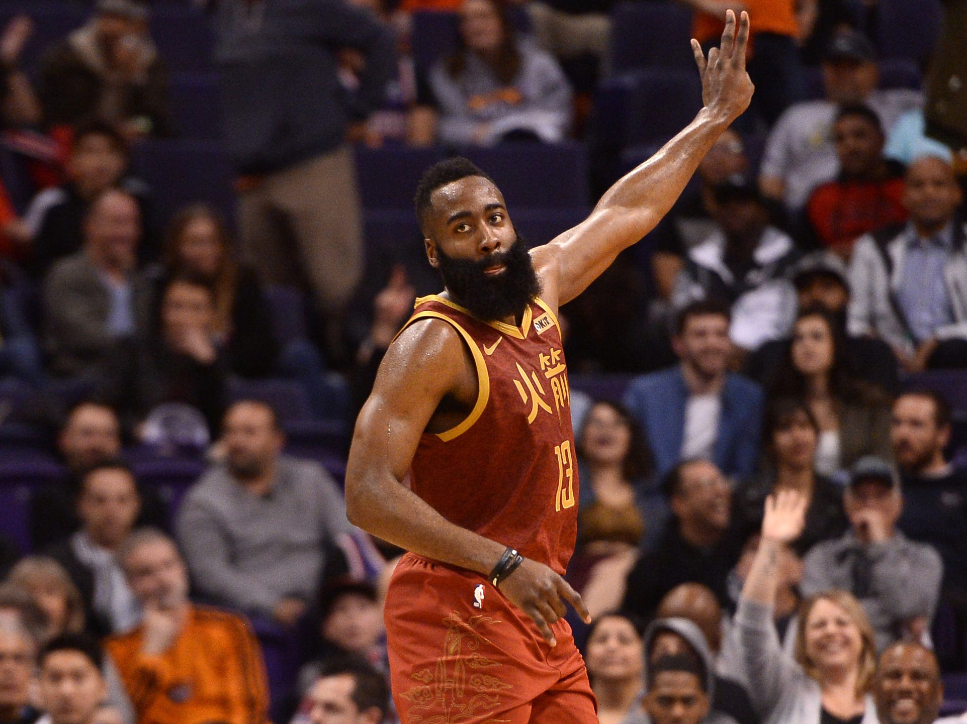 Rockets' James Harden clears 30 points for 27th straight game