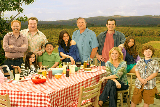 The cast of 'Modern Family,' to end in 2020, in a Season 1 photo from 2009