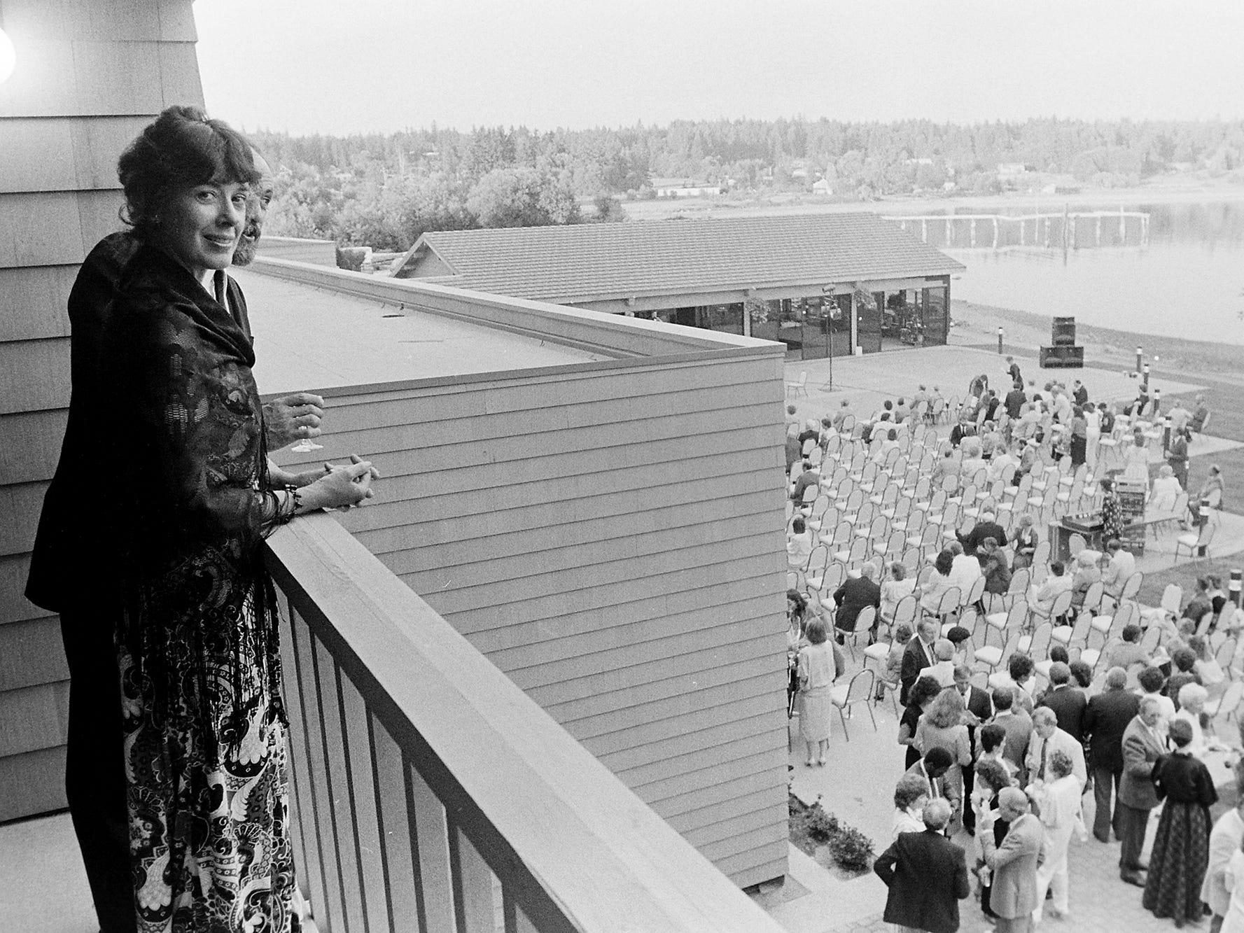 06/27/86Silverdale Hotel