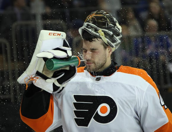 Anthony Stolarz will be in goal as the Flyers try to extend their winning streak to nine games Thursday against the Los Angeles Kings.