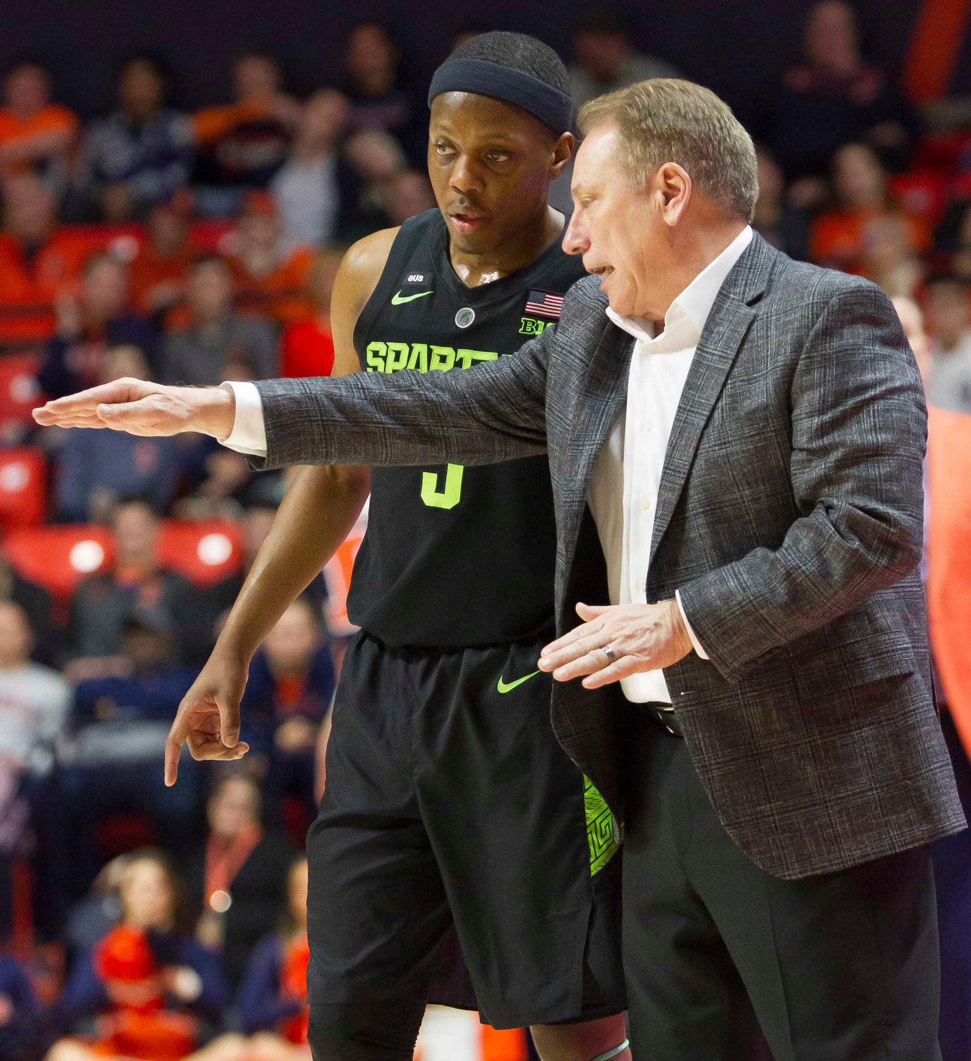 Michigan State coach Tom Izzo has a discussion with guard Cassius Winston during the second half of MSU's 79-74 loss to Illinois on Tuesday, Feb. 5, 2019, in Champaign, Ill.