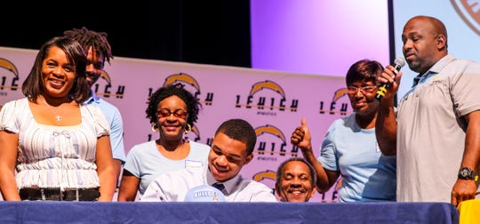 Bud Chaney signed with Citadel. Lehigh Senior High School 4-star defensive end Quashon Fuller was choosing between Florida State and Alabama. He signed with Florida State. Also signing were: Bud Chaney Ð Citadel; Delshawn Green - Fort Valley State; Cory Massy - Community Christian College, Debo Massolas - Southeastern University.