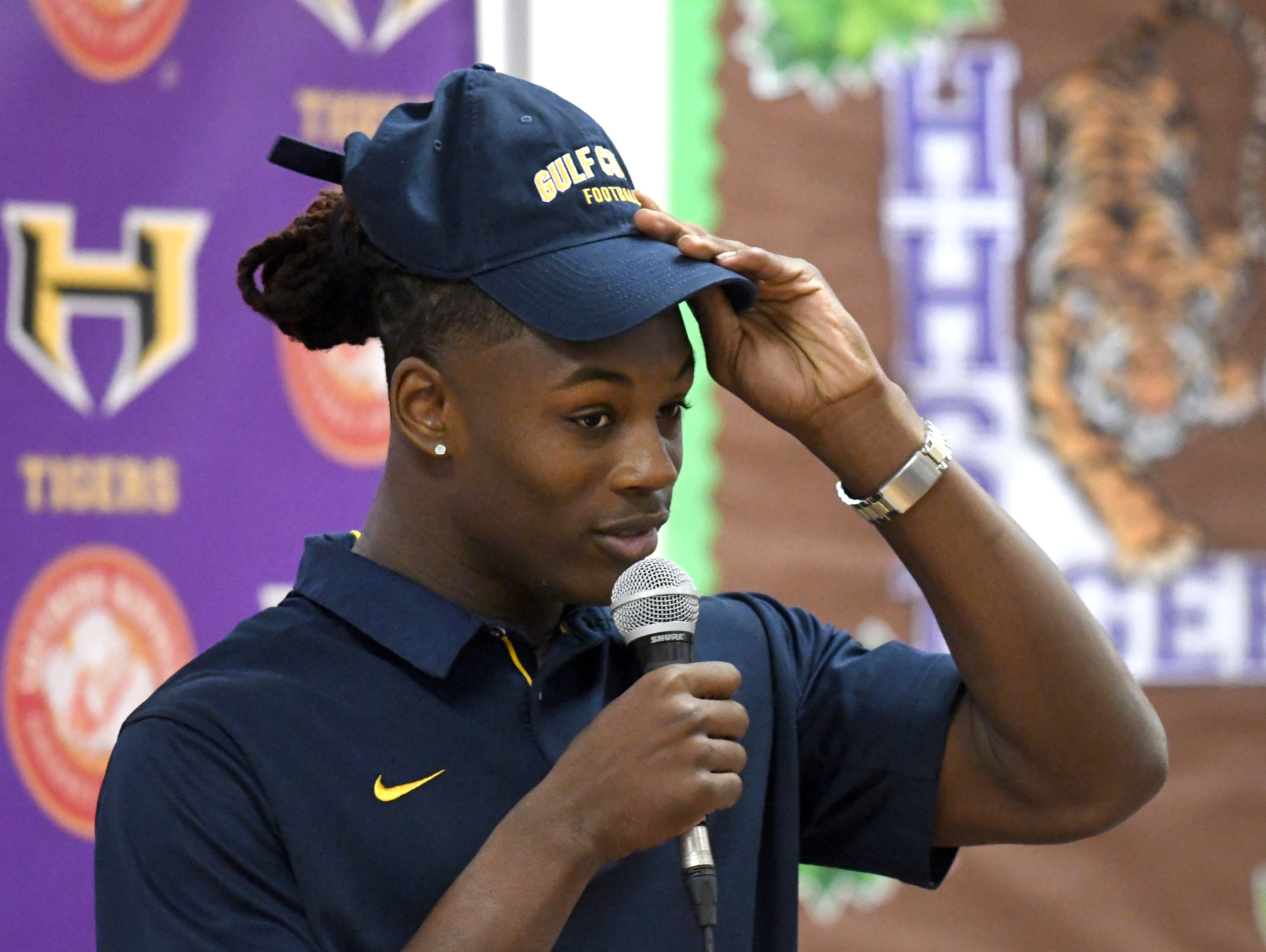 Hattiesburg High senior Jaddarius Perkins signed with Mississippi Gulf Coast Community College during National Signing Day in Hattiesburg on Wednesday, February 6, 2019.
