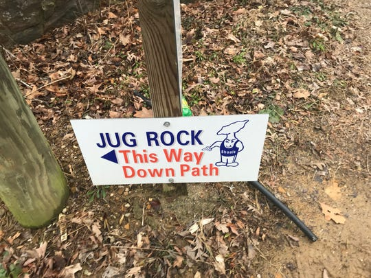 The way to the Jug Rock.