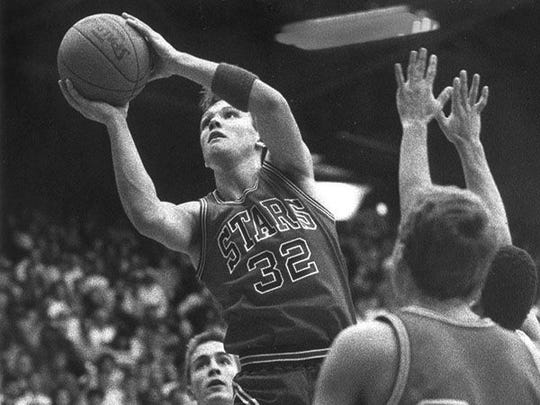 Damon Bailey left the Bedford North Lawrence Stars in 1990 with the Mr. Basketball title and the state's career scoring record of 3,134 points.