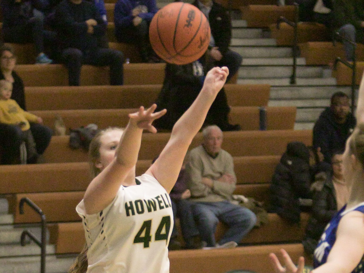 Avery Parrott of Howell shoots the basketball in a 48-17 victory over Salem on Tuesday, Feb. 5, 2019.
