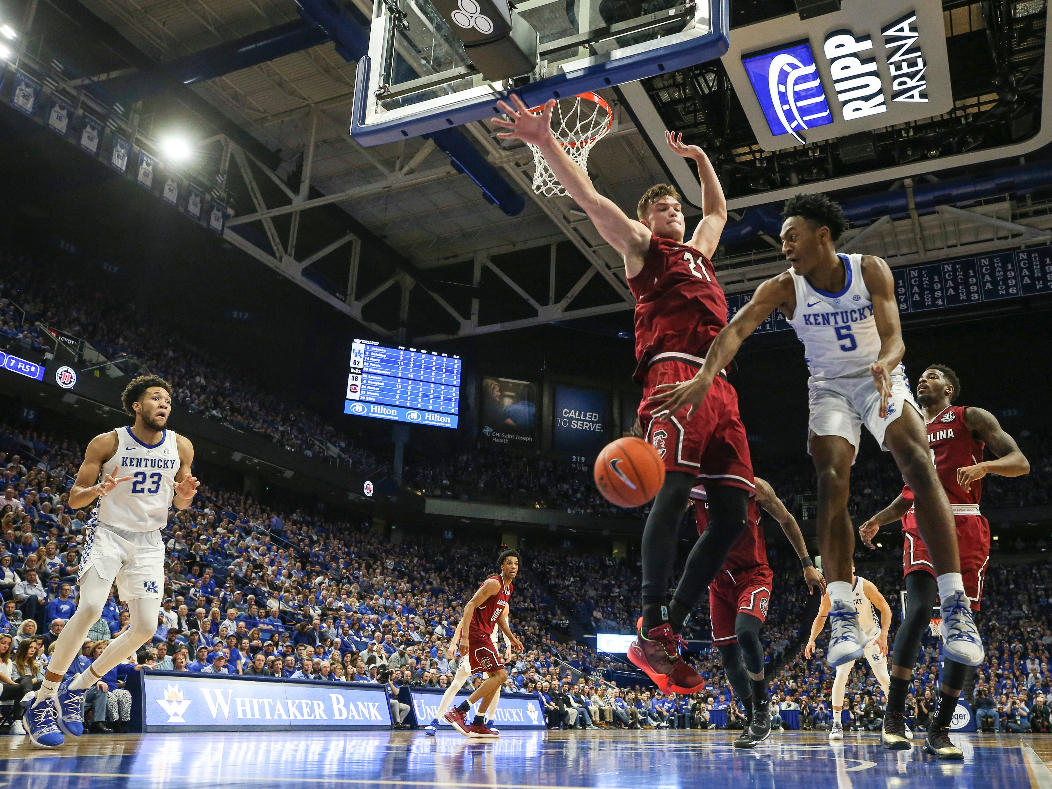 Kentucky's Immanuel Quickley made a pass as the Wildcats cruised past the Gamecocks 76-48. Calipari praised Quickley's effort after the game. Feb. 5, 2019