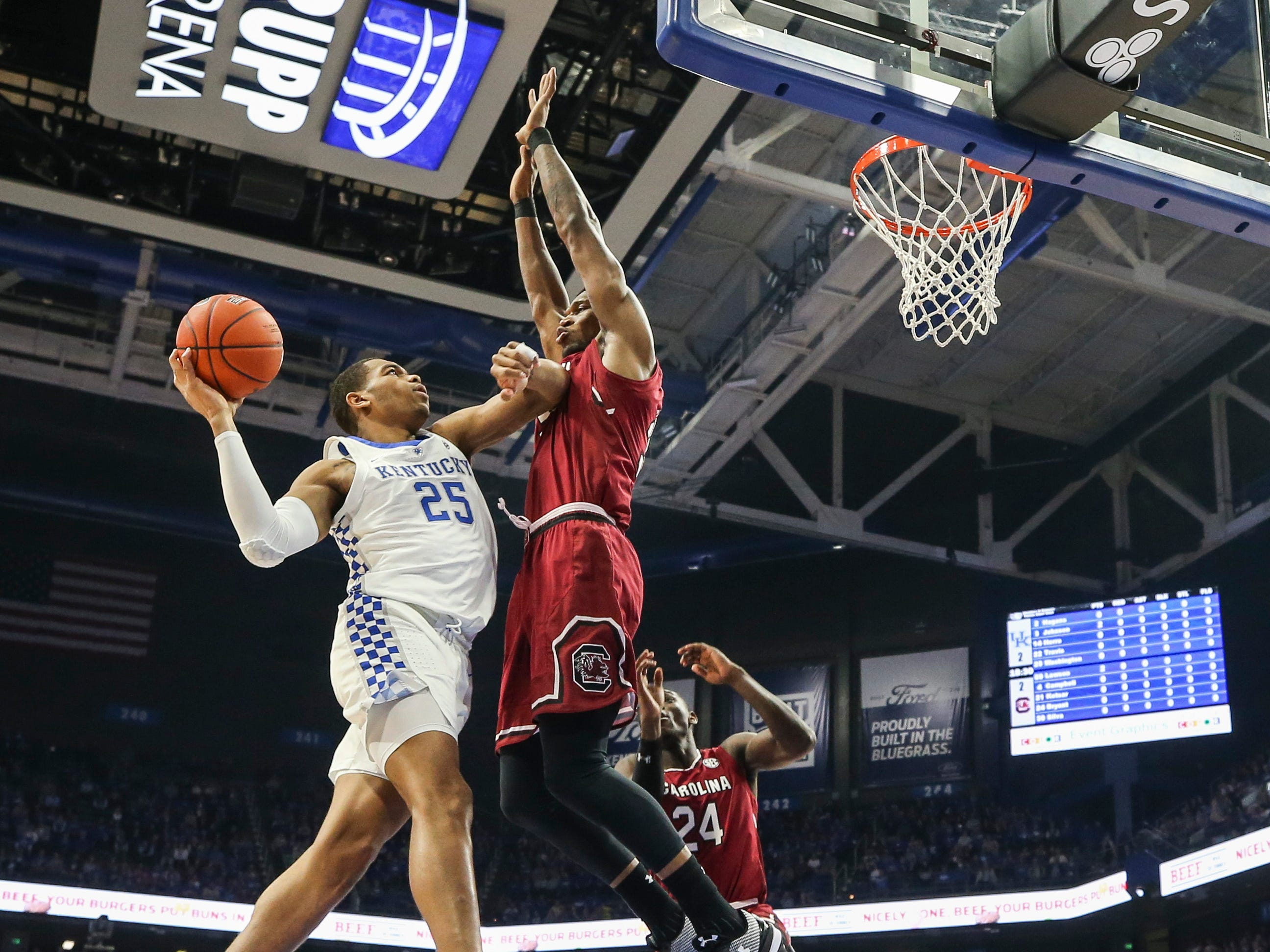 Kentucky's PJ Washington Jr scores two in the first half Tuesday night against South Carolina at Rupp Arena. Feb. 5, 2019