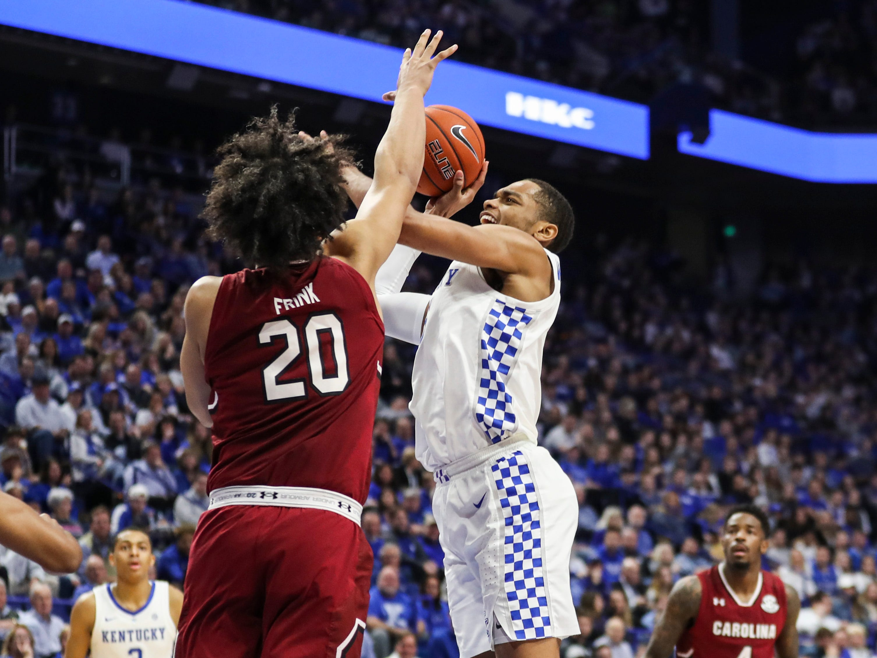 Kentucky's PJ Washington Jr tries to score against South Carolina's Alanzo Frink in the first half Tuesday night at Rupp Arena. Feb. 5, 2019