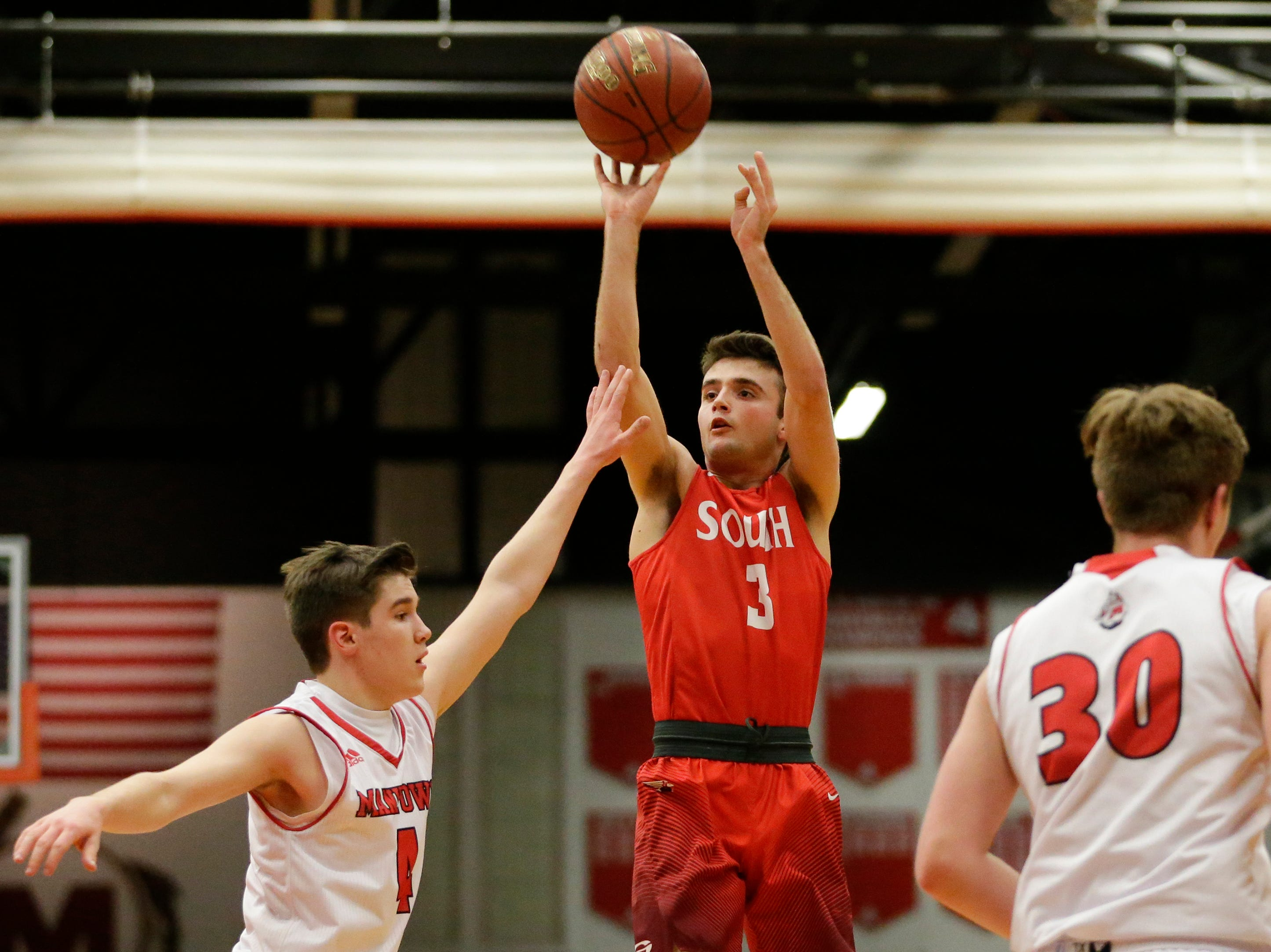 Sheboygan South's Josh Govek (3) puts up a shot against Manitowoc Lincoln at Manitowoc Lincoln High School Tuesday, February 5, 2019, in Manitowoc, Wis. Joshua Clark/USA TODAY NETWORK-Wisconsin