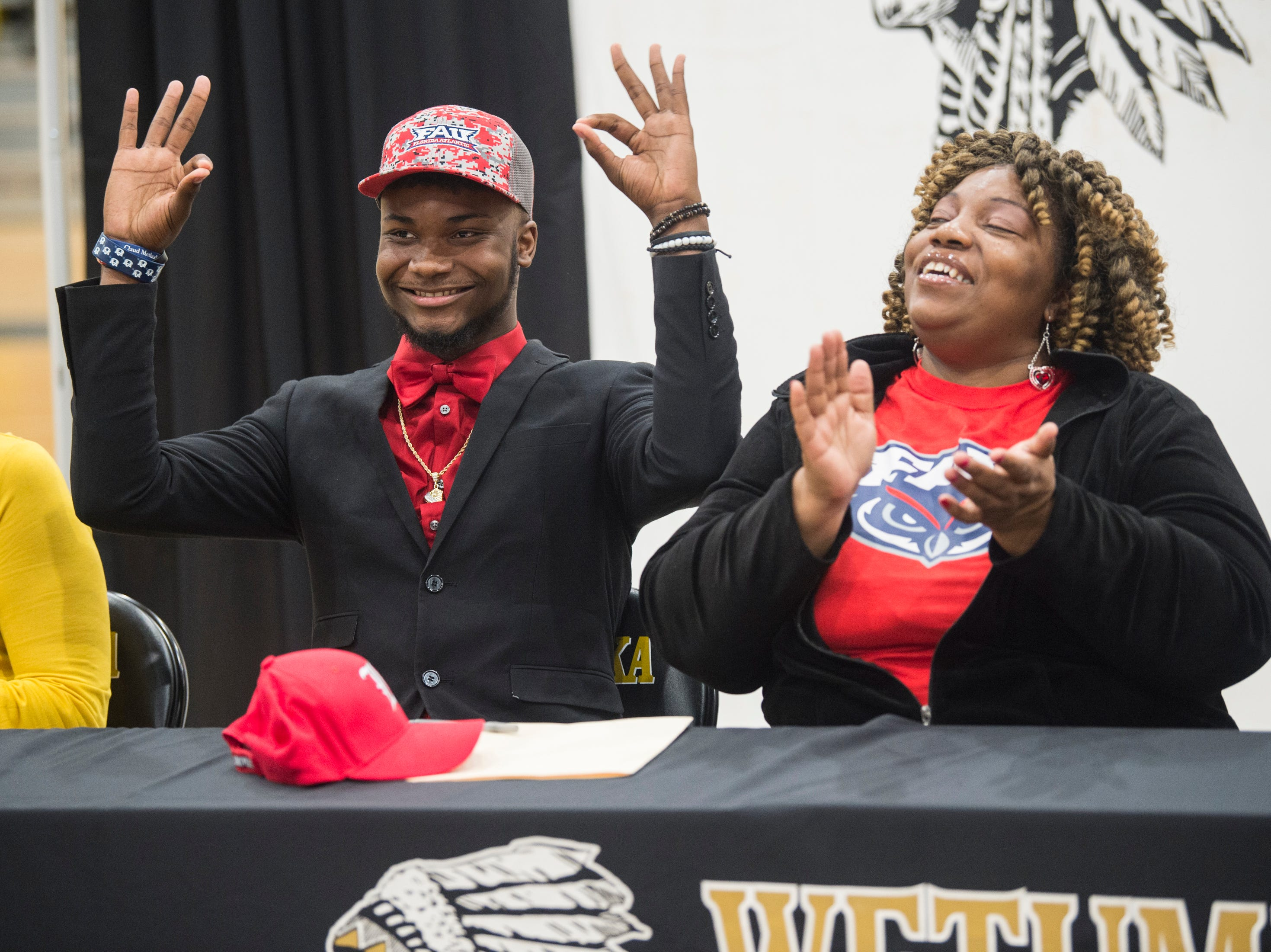 JD Martin announces his signing with Florida Atlantic during signing day at Wetumpka High School in Wetumpka, Ala., on Wednesday, Feb. 6, 2019.