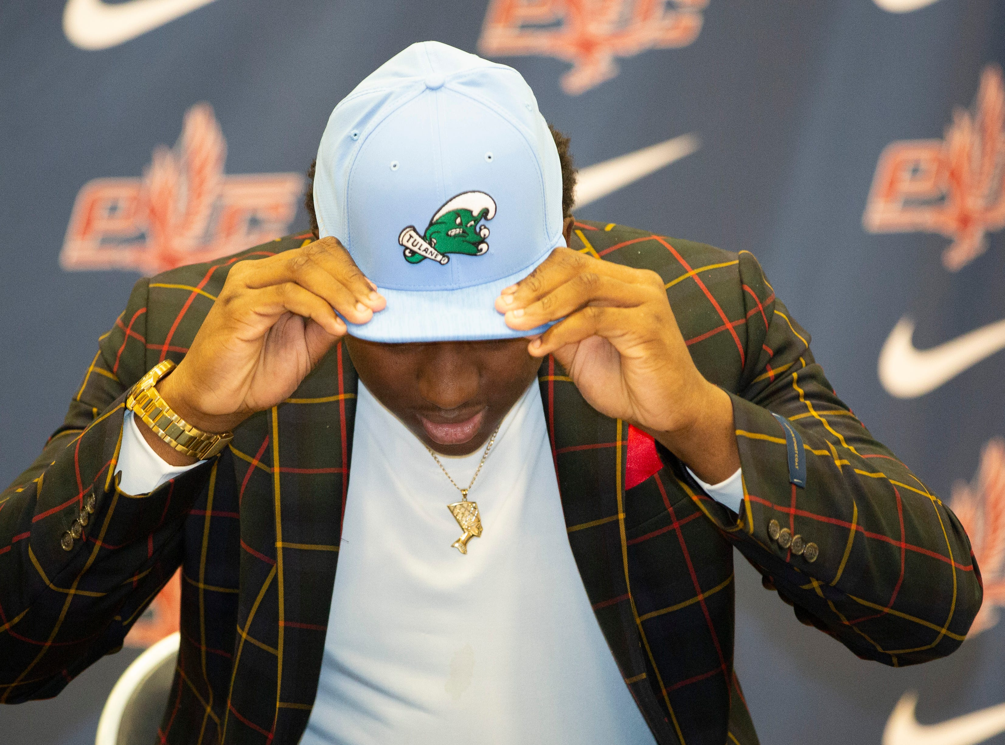 Darius Hodges, a football player at Park Crossing, signed with Tulane.