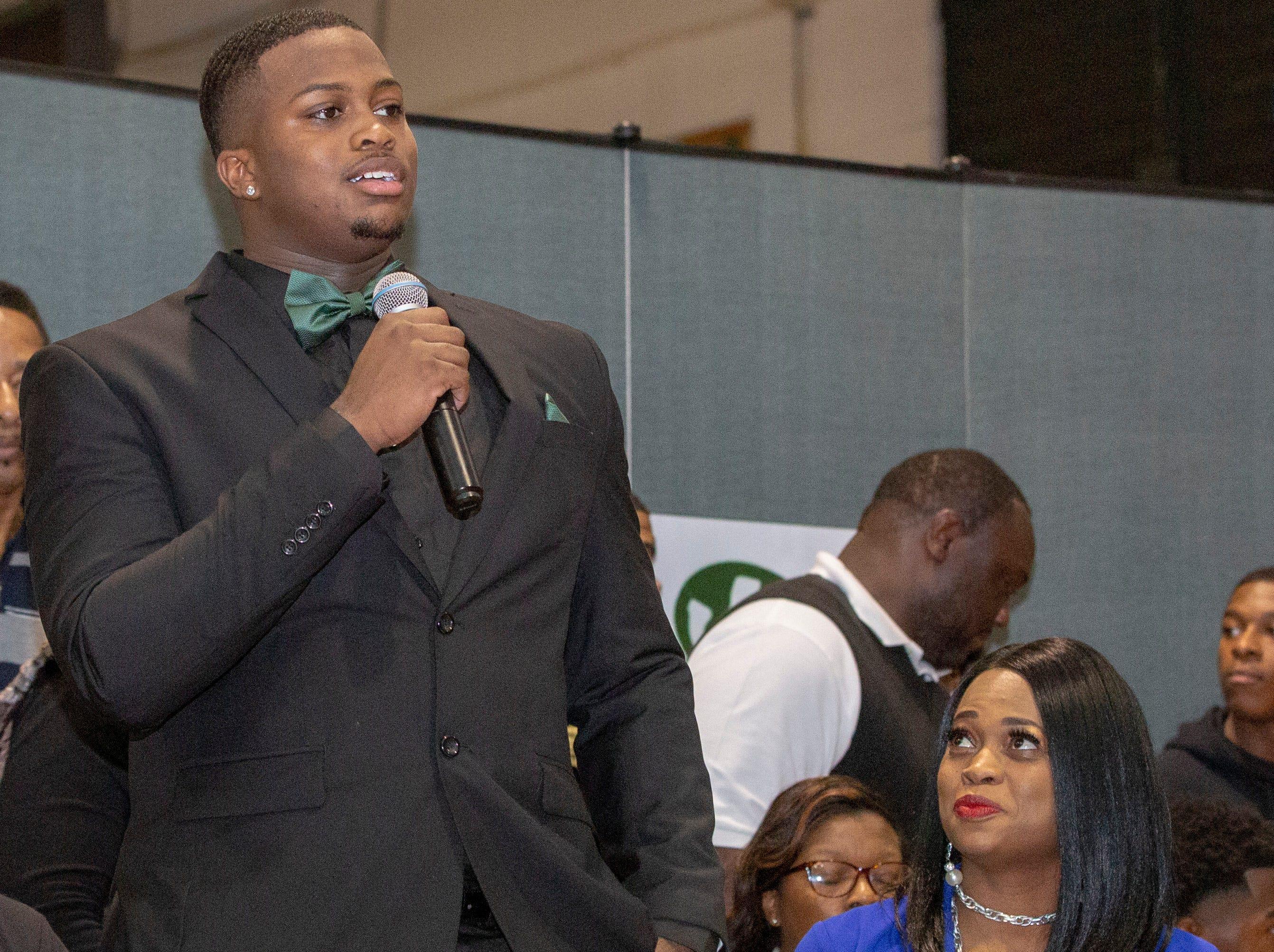 J'Shun Bodiford, a Jeff Davis High School senior, signed to play football at a community college.