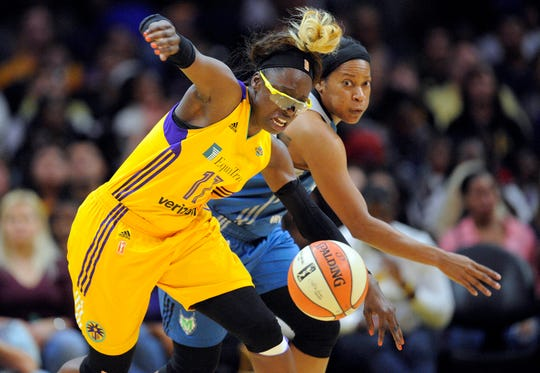 Former Los Angeles Sparks forward Essence Carson (17) has signed with the Phoenix Mercury.