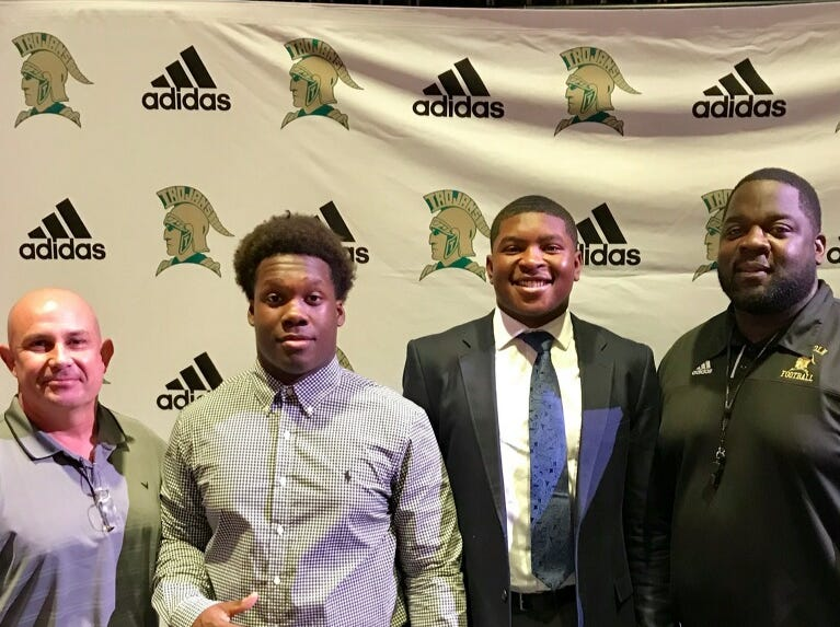 Lincoln's Jourdan Jones signed with Mississippi College and Jailon Henry with Yale during National Signing Day ceremonies on Feb. 6, 2019.