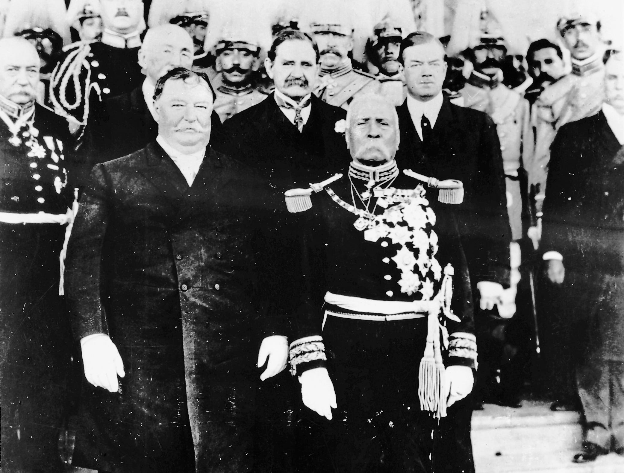Presidents Taft, Diaz & dignitaries. 1909. Taken by Will Stuart. He had studio next to Alexanders. Copyrighted picture & Feldman copied and started putting them out so Stuart made him pay.