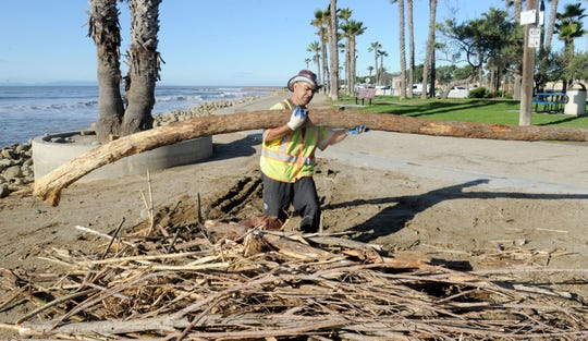 Work being done at the Ventura promenade.