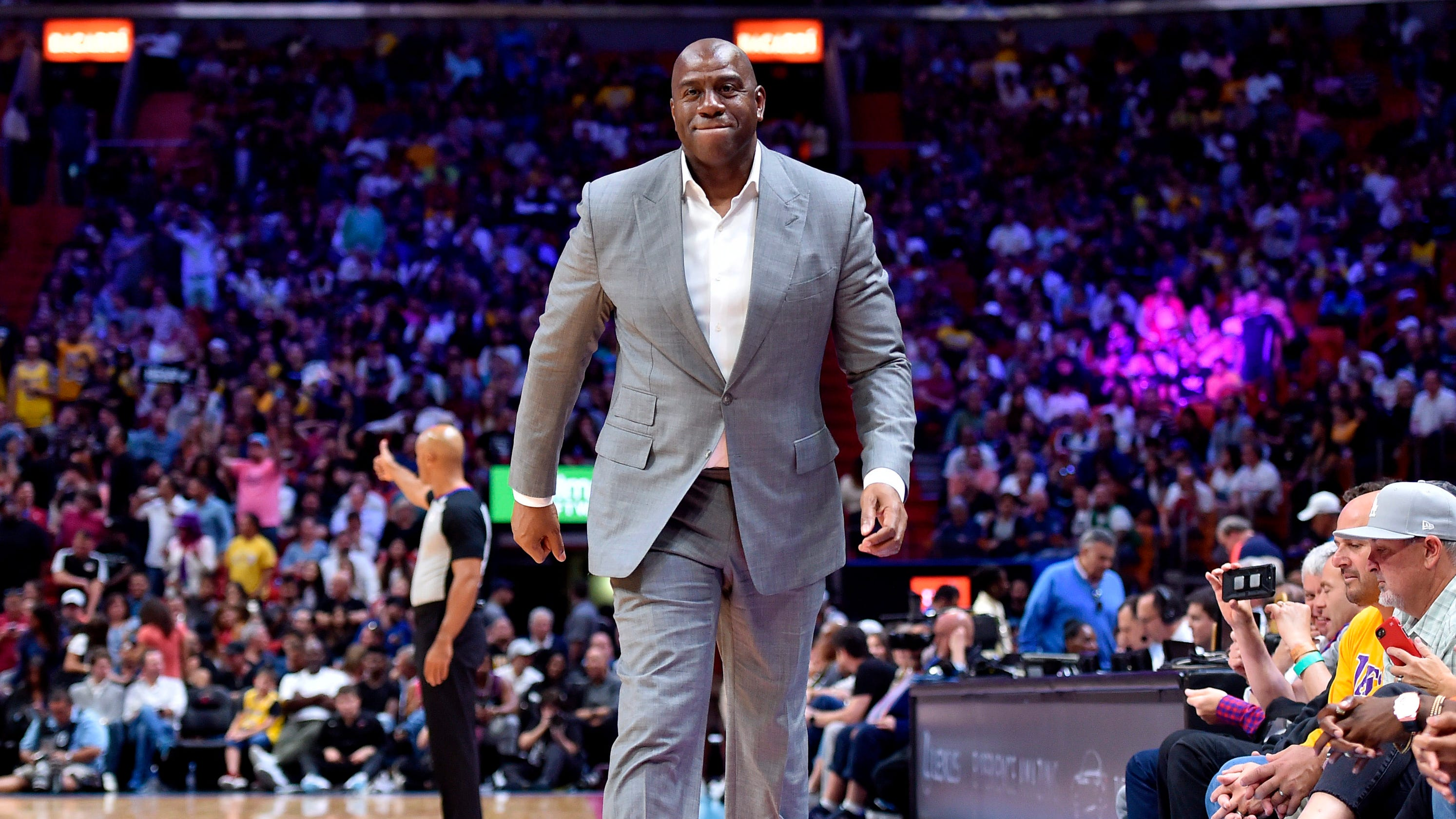 Opinion: All eyes on Magic Johnson as deadline for Lakers to trade for Anthony Davis looms