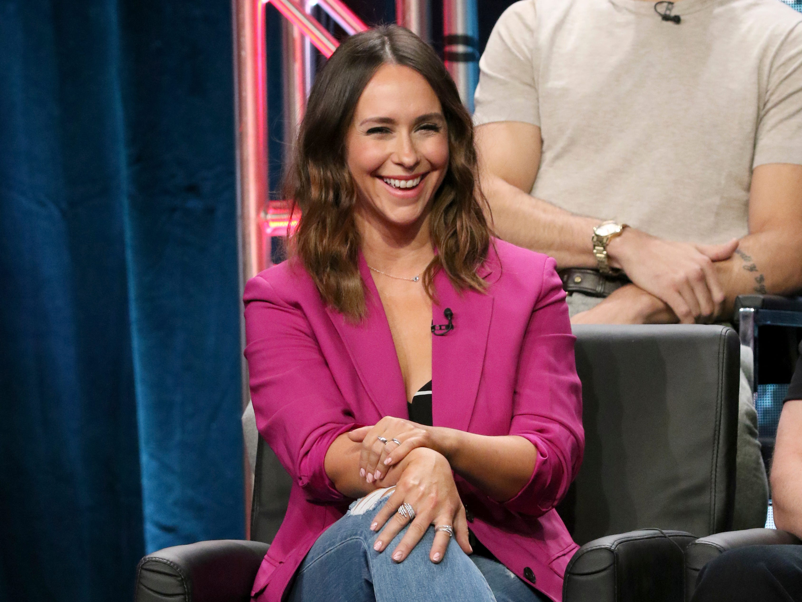 "Jennifer Love Hewitt participates in the ""9-1-1"" panel during the Fox Television Critics Association Summer Press Tour at The Beverly Hilton hotel on Thursday, Aug. 2, 2018, in Beverly Hills, Calif. (Photo by Willy Sanjuan/Invision/AP) ORG XMIT: CAPM103"