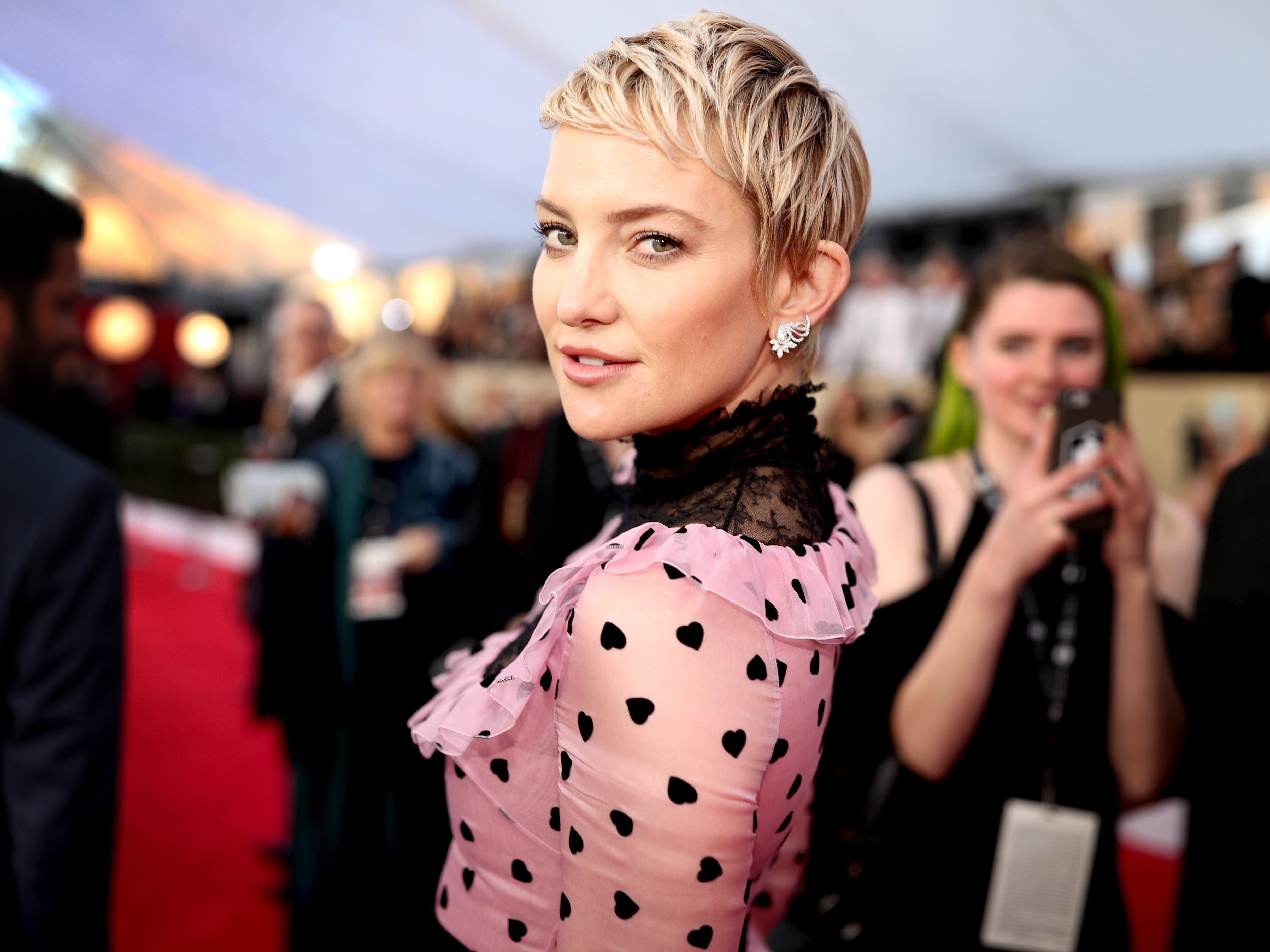 LOS ANGELES, CA - JANUARY 21:  Actor Kate Hudson attends the 24th Annual Screen Actors Guild Awards at The Shrine Auditorium on January 21, 2018 in Los Angeles, California. 27522_010  (Photo by Christopher Polk/Getty Images for Turner Image) ORG XMIT: 775105238 ORIG FILE ID: 908525766