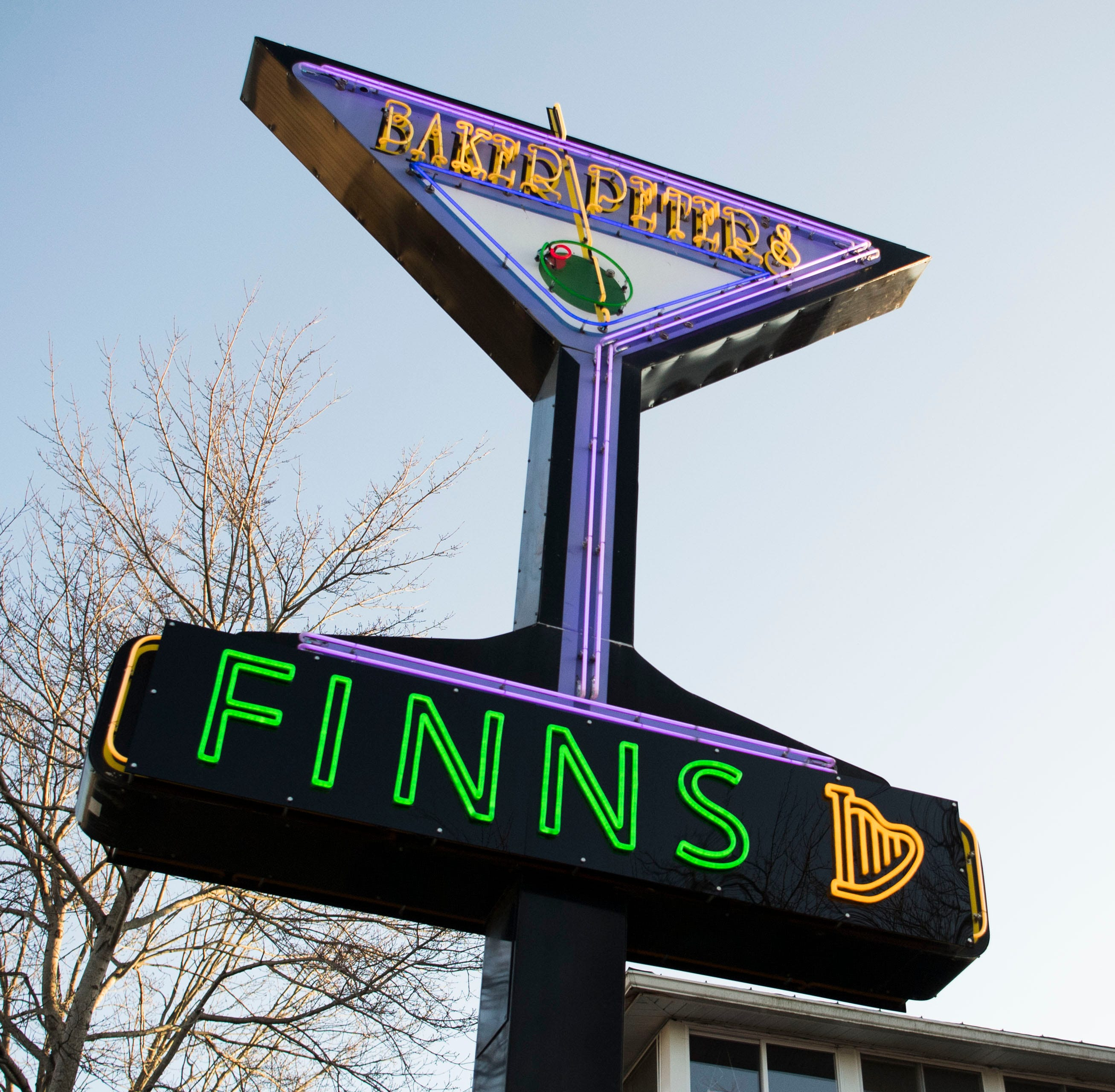 Finn's Restaurant opens in Baker Peters house, combines Irish pub, historic setting