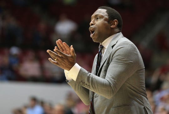 Feb 6, 2019; Tuscaloosa, AL, USA; Alabama Crimson Tide head coach Avery Johnson during the second half against Georgia Bulldogs at Coleman Coliseum. Mandatory Credit: Marvin Gentry-USA TODAY Sports