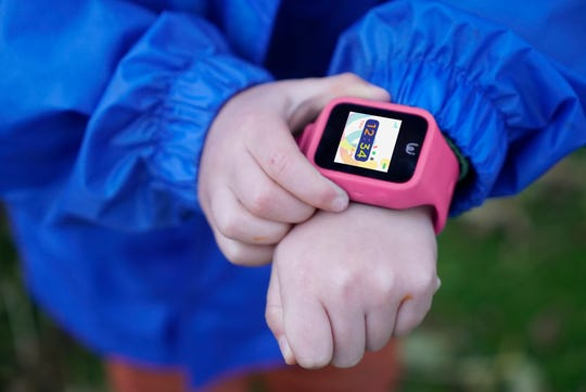 Using iGPS' secure mobile-phone app, parents can see their children's location on a map, send them messages and speak to their children through a child-size watch.