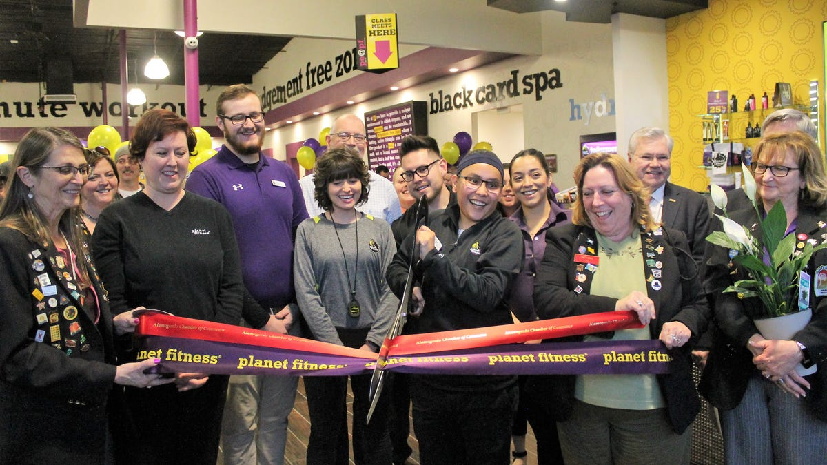 Planet Fitness Hosts Grand Opening