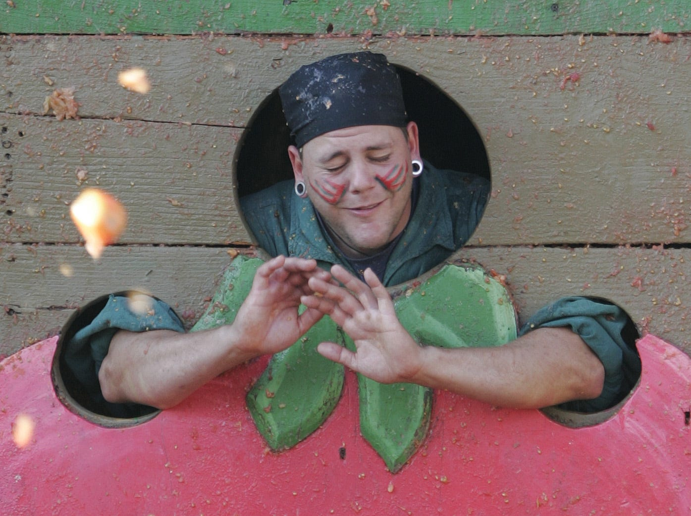 Patrons of the 17th Annual Arizona Renaissance Festival threw tomatoes at Vegetable Justice in 2005.