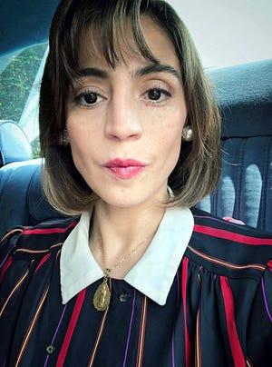 Ilse, caracterizada como la viuda del político, protagoniza la serie de Netflix.
