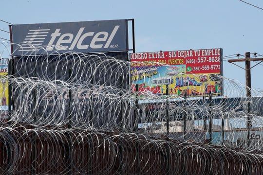 Alambre de púas colocado en la frontera.