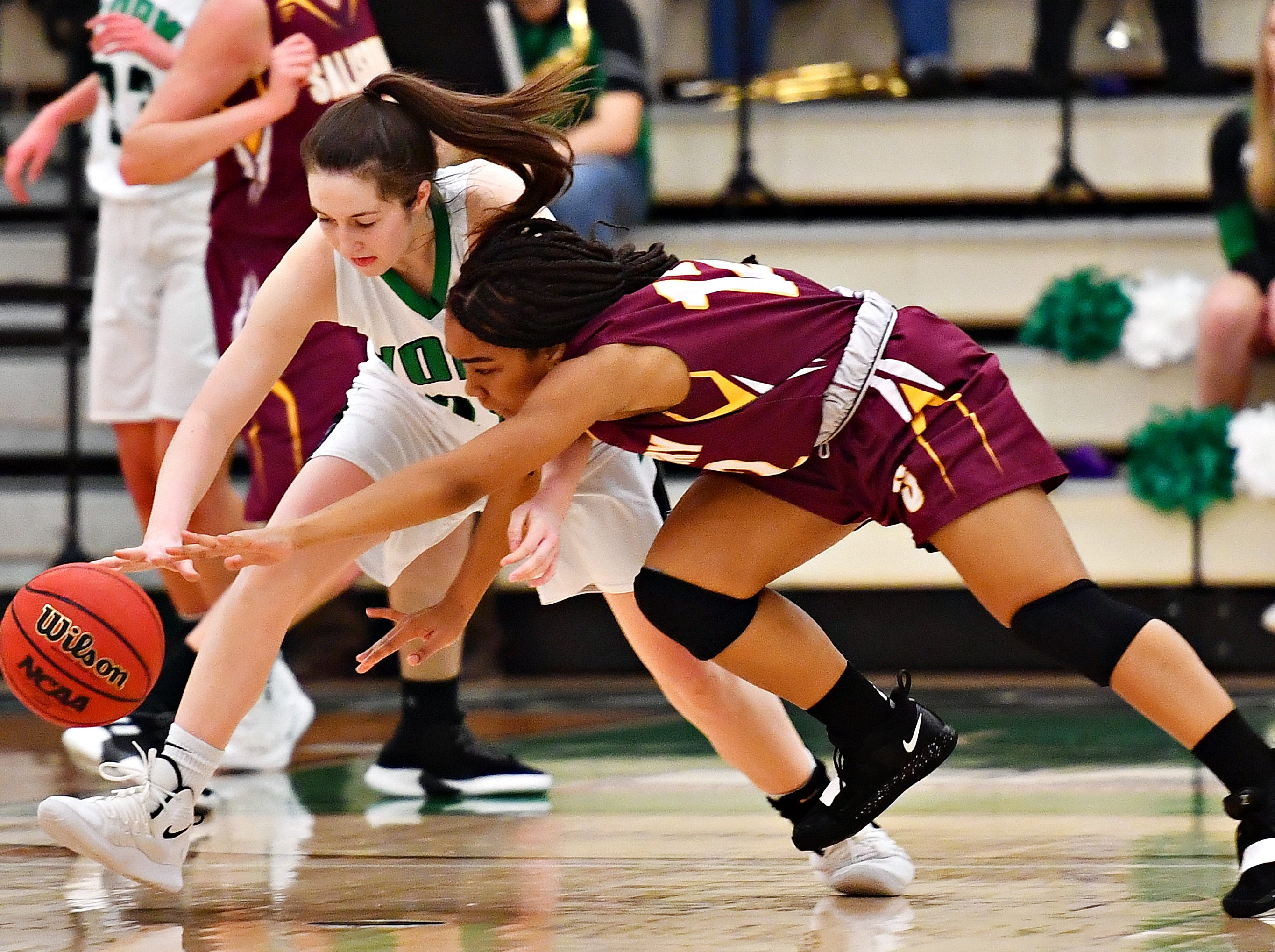 York College vs Salisbury during women's basketball action at Grumbacher Sport and Fitness Center at York College of Pennsylvania in Spring Garden Township, Wednesday, Feb. 6, 2019. Dawn J. Sagert photo