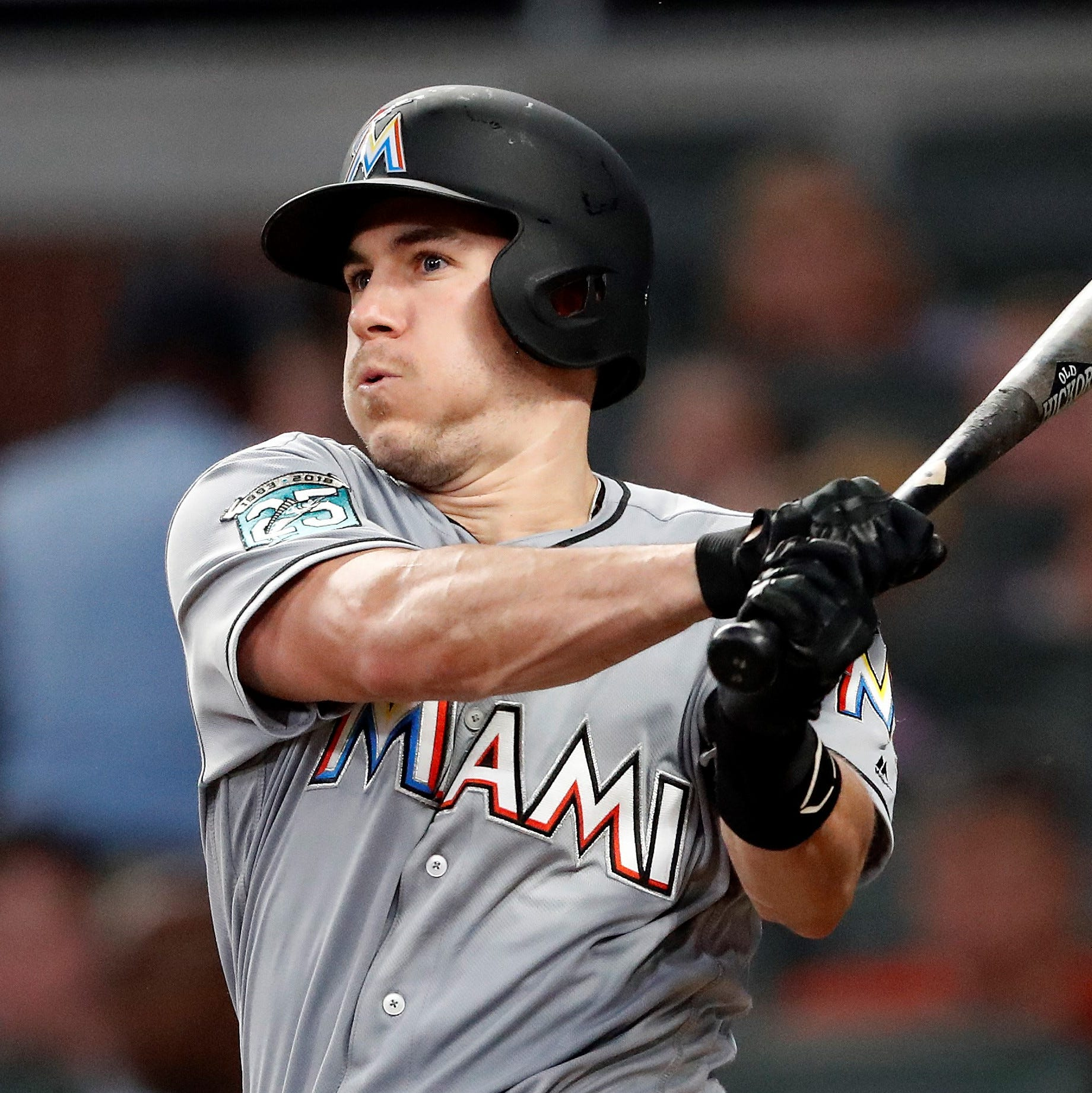 Phillies obtain All-Star catcher Realmuto from Marlins for Alfaro, two pitching prospects