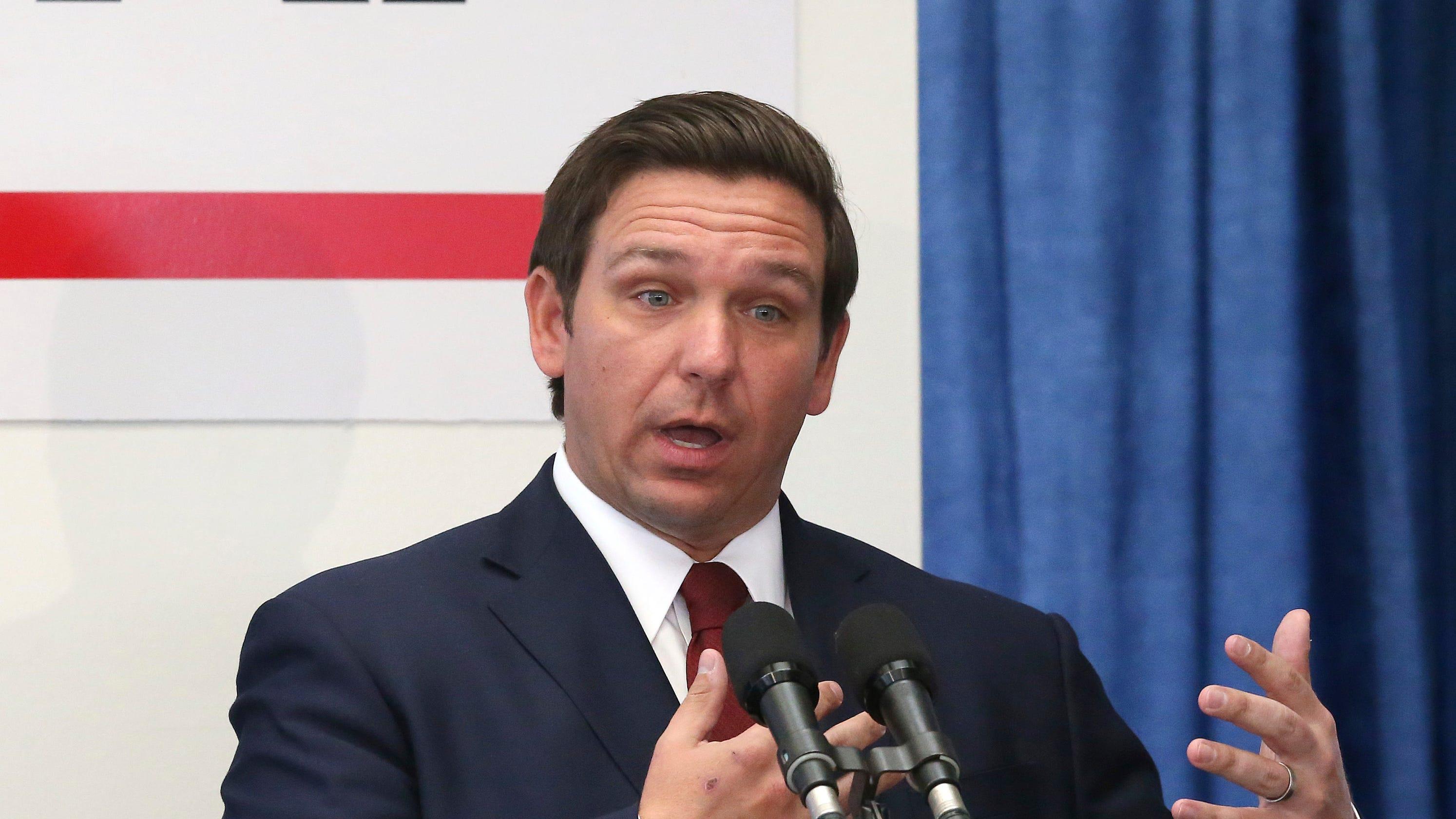 Florida Governor Is Signing K 12 Public >> Desantis Wants New Teacher Bonus Program To Replace Best And Brightest