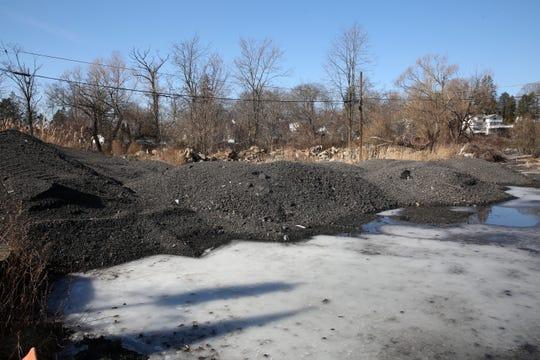 DEC probes dump site at town of Carmel's Lake Mahopac park