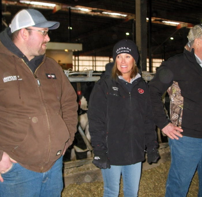 Henschel's new robotic barn saves labor, improves family quality of life