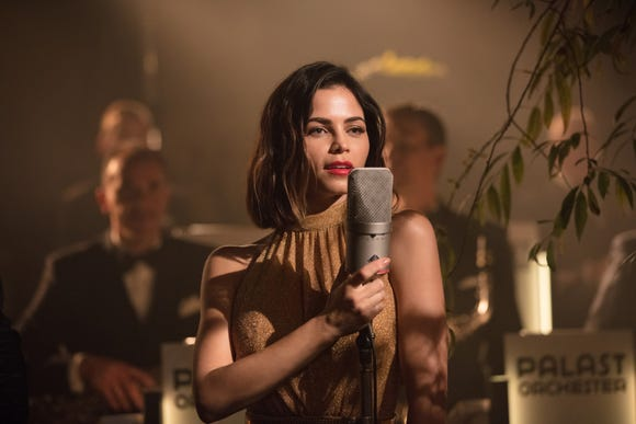 """Jenna Dewan goes from lost tourist to torch singer in """"Berlin, I Love You."""""""