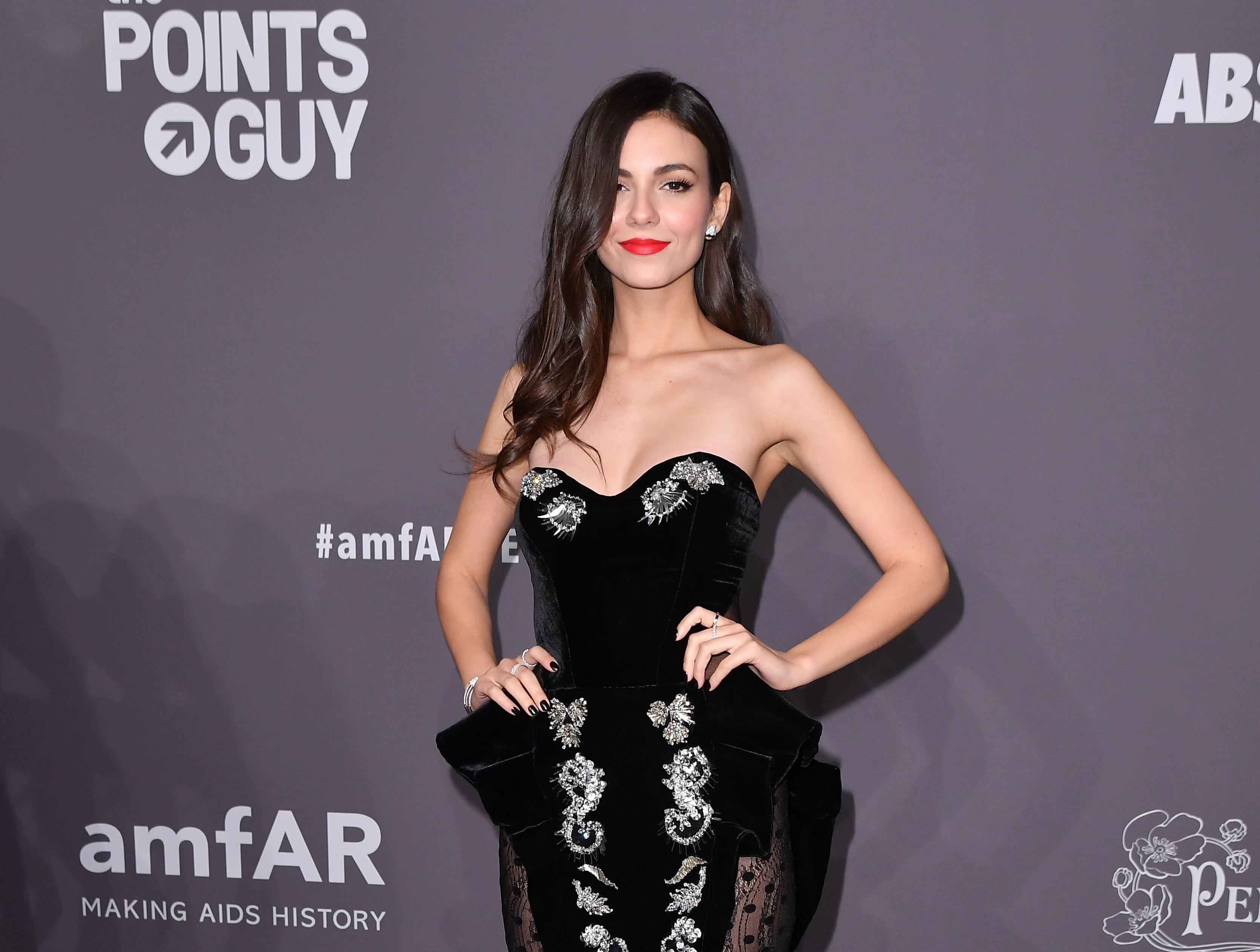 US actress Victoria Justice arrives at The amfAR Gala New York, the Foundations 21st annual benefit for AIDS research during New York Fashion Week at Cipriani Wall Street on February 6, 2019 in New York. (Photo by ANGELA WEISS / AFP)ANGELA WEISS/AFP/Getty Images ORG XMIT: The Found ORIG FILE ID: AFP_1D4682