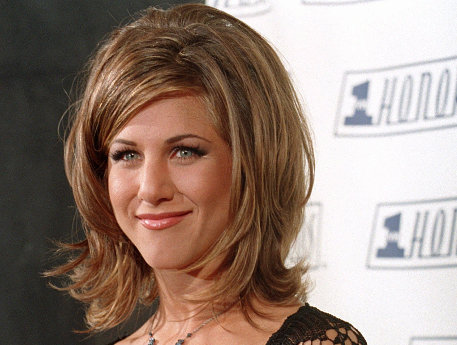 """The """"Rachel"""" was in full effect when she appeared at the VH1 Honors in 1995."""