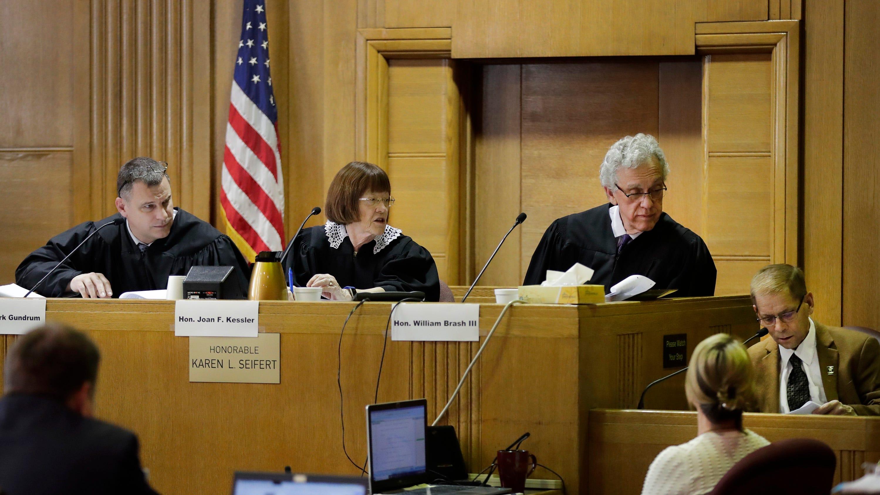 Fox Crossing Municipal Judge Len Kachinsky takes stand in judicial conduct hearing