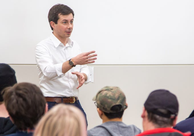 South Bend Indiana Mayor Pete Buttigieg speaks at the Drake Community Library in Grinnell Friday, Feb. 8, 2019.