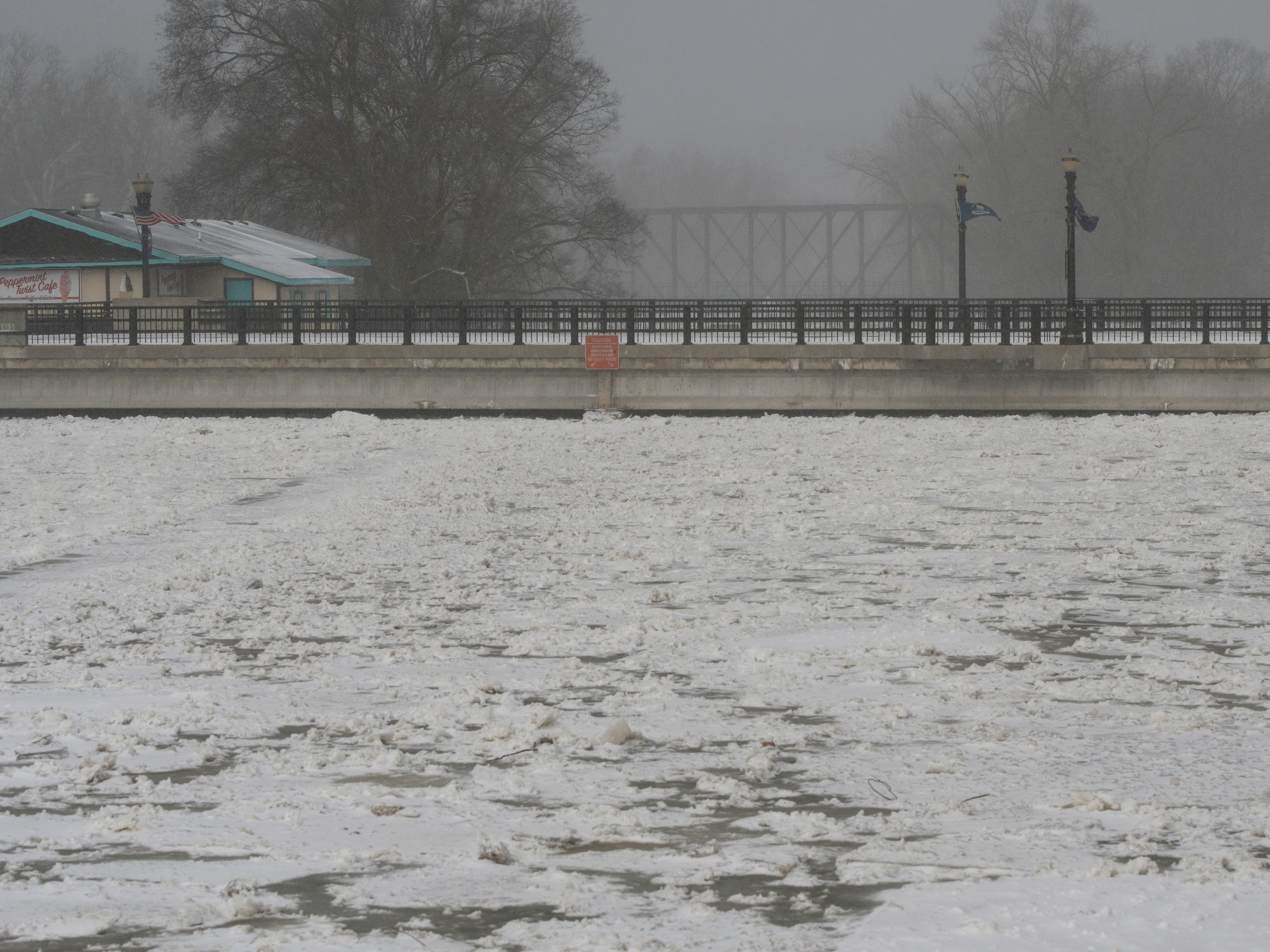 More residents have been evacuated due to rising water levels due to ice jams in the Grand River in downtown Portland.   All three bridges are closed.  [Photo Feb. 8, 2019 by MATTHEW DAE SMITH/Lansing State Journal]