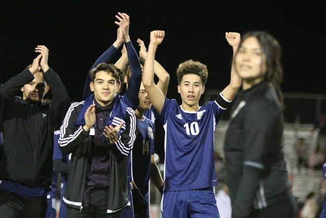 Desert Hot Springs' players thank the fans after their CIF round one playoff game against Palm Springs in Desert Hot Springs on Thursday, February 7, 2019. Desert Hot Springs won 3-2.