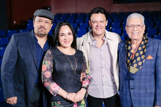 Pedro Fernández encabeza el panel de jueves del El Mejor Mariachi, al lado del representante internacional de los mariachis Fernando de Santiago, la cantante Claudia Sierra y el connotado compositor Rigoberto Alfaro.