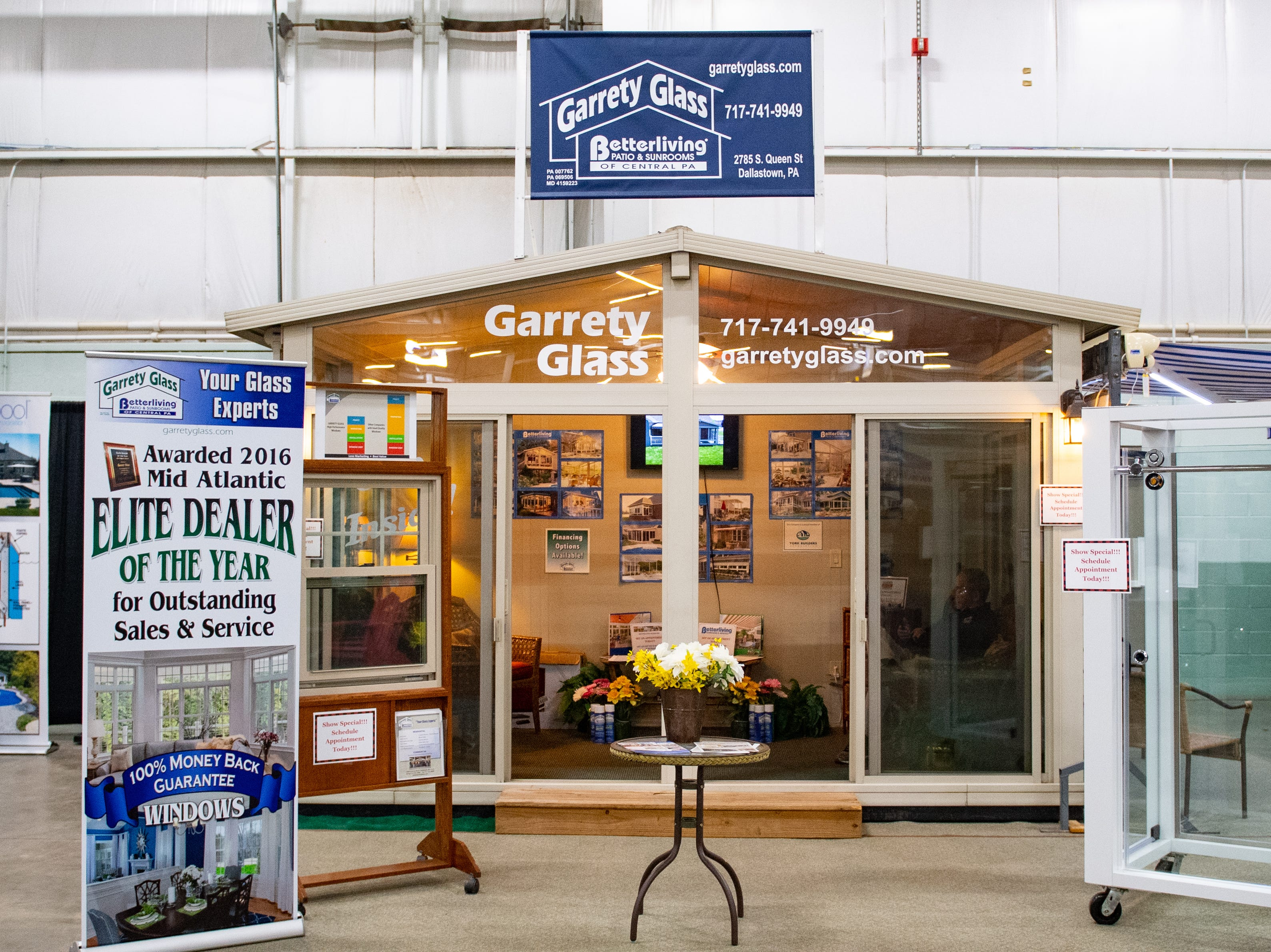 Garrety Glass has a booth at the 2019 Home & Garden Show, February 8, 2019.