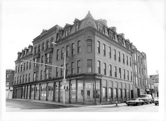 The Calabash occupied the ground floor of the former Alexander Hotel building.