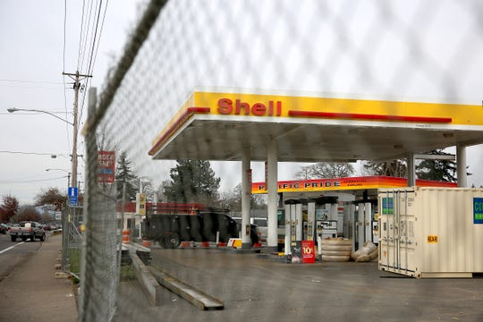 Renovations are being done to the Shell gas station on the corner of Mission Street SE and 25th Street SE.