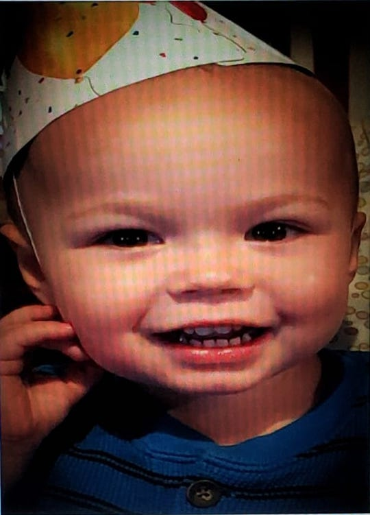 A vigil will be held in Stayton on Sunday, Feb. 10 for a child who died last week in a house fire.